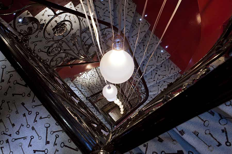 escalier, Hotel de charme Paris, 75009