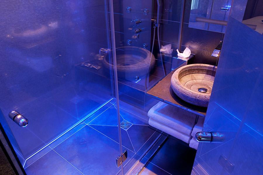 Bathroom, Hotel design Secret de Paris